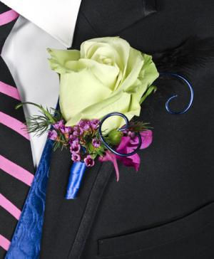 A Night to Remember Prom Boutonniere in Many, LA | LOU'S GIFTS LLC