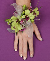 GLAMOROUS GREEN Prom Corsage