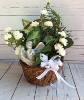 """8 """" Wicker Dish Garden  Fresh Cut Flowers & Angel"""