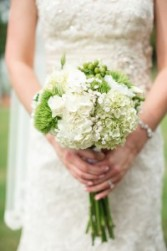 WHITE AND GREEN DIVINE HANDHELD BOUQUET