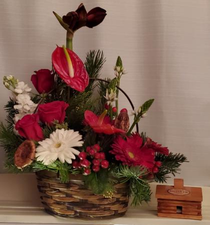 8FR000078 APPALACHIAN  CHRISTMAS Basket Arrangement