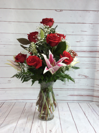 9 or 12 Roses With Stargazer Lilies