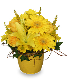 Summer flower arrangement pictures send summer flowers flower yellow aglow flower arrangement mightylinksfo