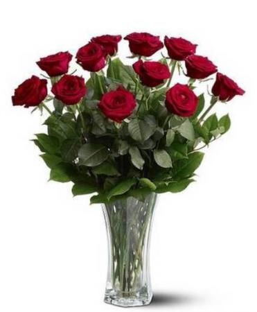 A Dozen Premium Red Roses Arrangement