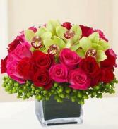 A  KISS ELEGANT MIXTURE OF FLOWERS