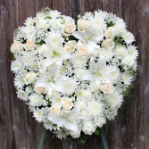 A Kiss Goodbye Solid Heart Wreath