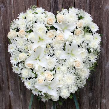 A Kiss Goodbye Solid Heart Wreath