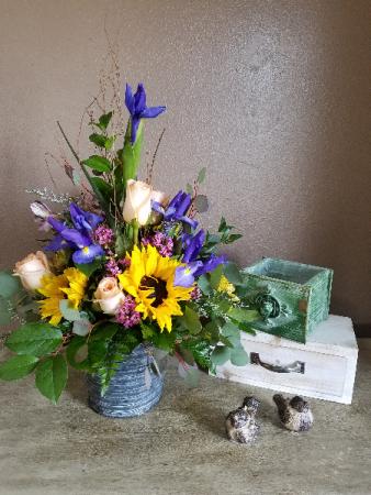 A little bit old fashioned Fresh arrangement