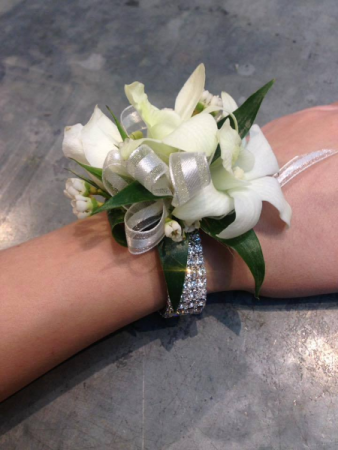 A little bling Wrist Corsage with Bling wristlet