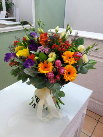 A mixed Bouquet of fresh flowers
