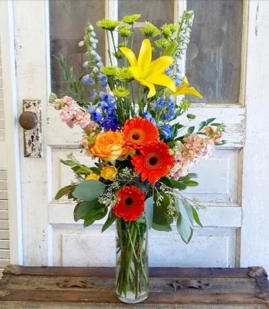 The Dora Bouquet Vase Arrangement