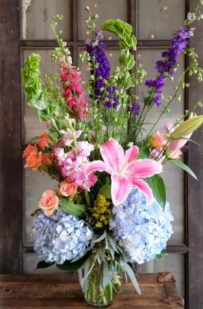 The Dinah Bouquet Vase Arrangement