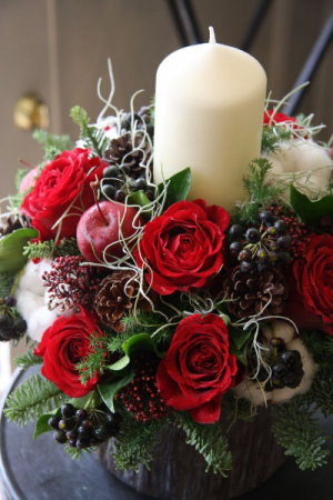 A Very Berry Christmas   in Oakville, ON | ANN'S FLOWER BOUTIQUE-Wedding & Event Florist