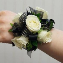 HOMECOMING CORSAGE Select ribbon and rose color