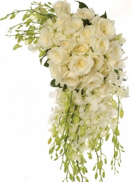 WHITE  TRADITIONAL CASCADE                  BRIDE BOUQUET
