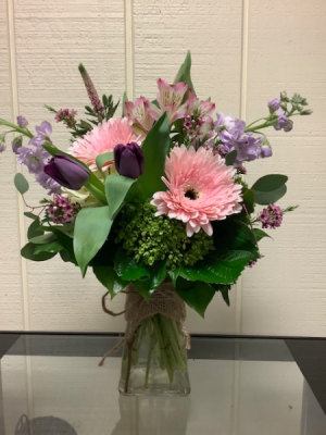 Every Day Special vase  in Fairfield, CT | Blossoms at Dailey's Flower Shop