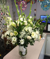 ALL WHITE ARRANGMENT GLASS FLOWERS