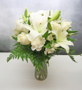 ALL WHITE FLORAL IN CLEAR VASE PURE WHITE FLOWERS