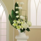 ROMA FLORIST ALL  WHITE SYMPATHY BASKET & MEMORIES