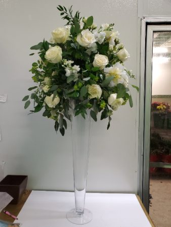 All white wedding arrangement