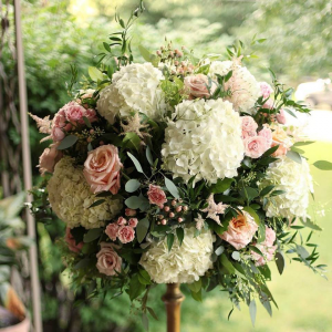 Alter Arrangement  Wedding  in Oakville, ON | ANN'S FLOWER BOUTIQUE-Wedding & Event Florist