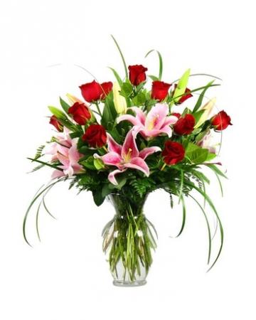 Amazing Bouquet Vase Arrangement