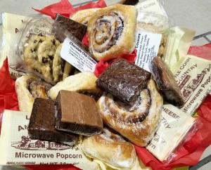 Amish Country Lovin' Basket Candy/Food/Drinks in Wichita, KS | Via Christi Flower & Gift Shop