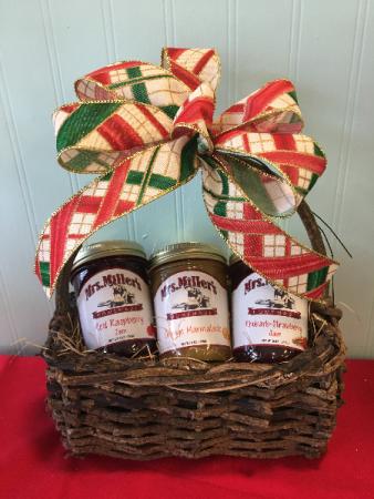 Amish Traffic Jam Jelly Basket