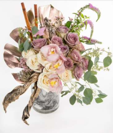 Amnesia Vase Arrangement