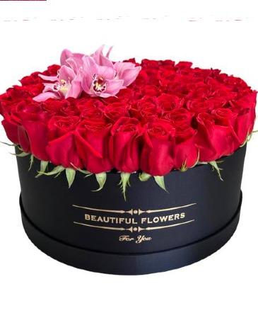 Amor Extremo 100 Rose Arrangement
