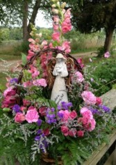 Angel in the Meadow Fresh flower with Statue