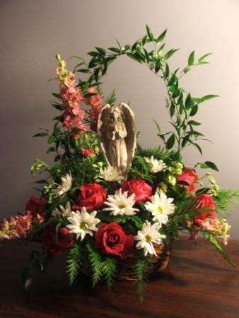 Angel Memorial Piece Sympathy Arrangement In Herndon Pa Bittersweet Designs By Lorrie