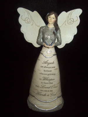 Angel  Memorial Statue in Hiawatha, KS | MAINSTREET FLOWER SHOPPE