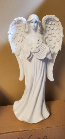 Angel playing a Harp Gift item