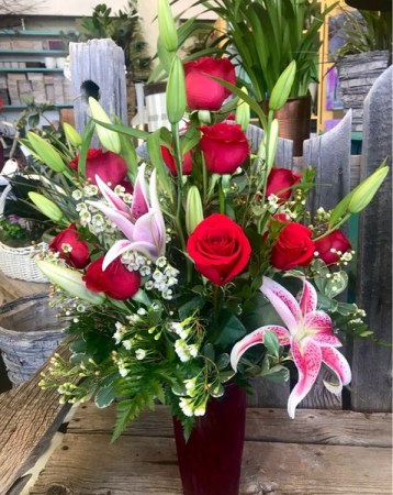 ANGELS LANDING Roses and Lilies Arrangement