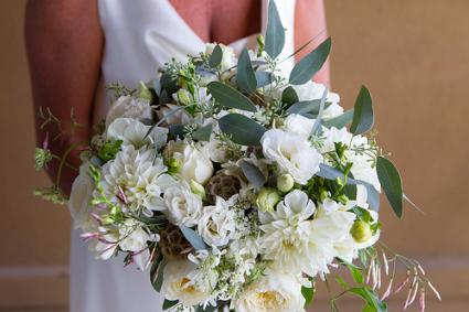Anne's Bouquet Bridal Boutquet