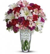 Antique Lace        10M210 Vase Arrangement