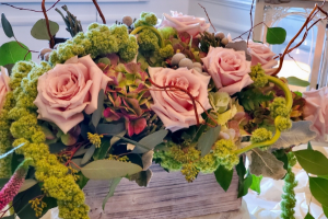 Antique Sahara box arrangement in Northport, NY | Hengstenberg's Florist