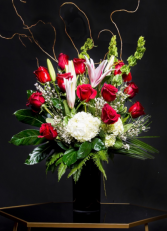 Luxurious Stargazer Lilies & Doz Red Roses  Luxurious Stargazes Classic Mix
