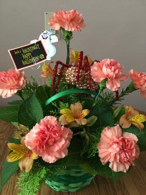 arachophbia basket arrangmentwith asst seasonal flowers in Renton, WA | Alicia's Wonderland II