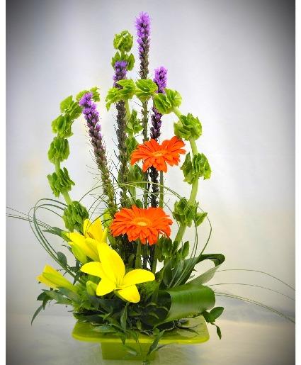 ARCH OF SIMPLICITY FRESH FLOWER ARRANGEMENT