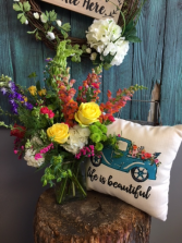 Arrangement and pillow combo