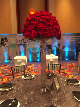 arrangement of passion center table arrangement