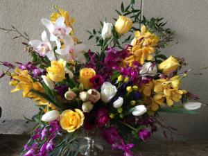 Make it Uplifting! Designer's Choice in Palo Alto, CA   Village Flower Shoppe