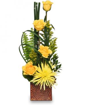 As Good As Gold Flower Arrangement in Milwaukie, OR | Mary Jean's Flowers by Poppies & Paisley