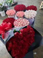 ASSORTED ROSE ARRANGEMENTS