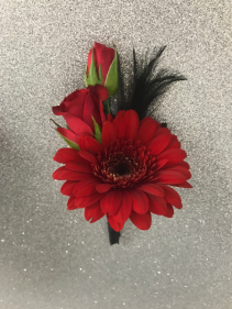 Attraction Boutonniere