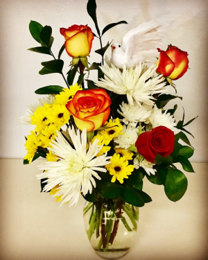 Autumn Bouquet Sympathy Vase Design in Plainview, TX | Kan Del's Floral, Candles & Gifts