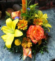 Autumn Tidings Small Centerpiece w/ Candle