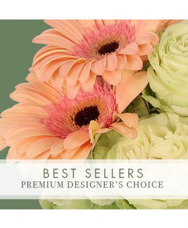 Designer's Choice Premium Premium Mixed Floral Arrangement in Vase